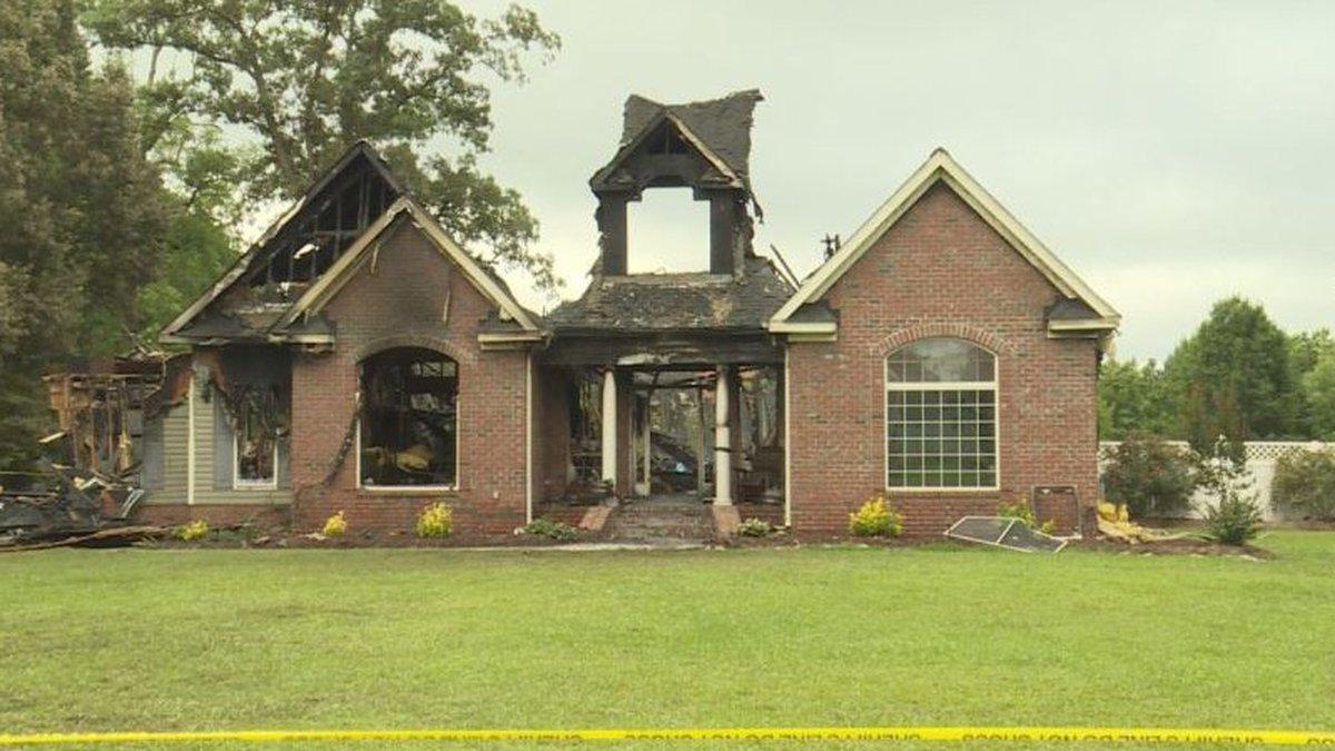 N.C. police sargeant presumed dead after house fire