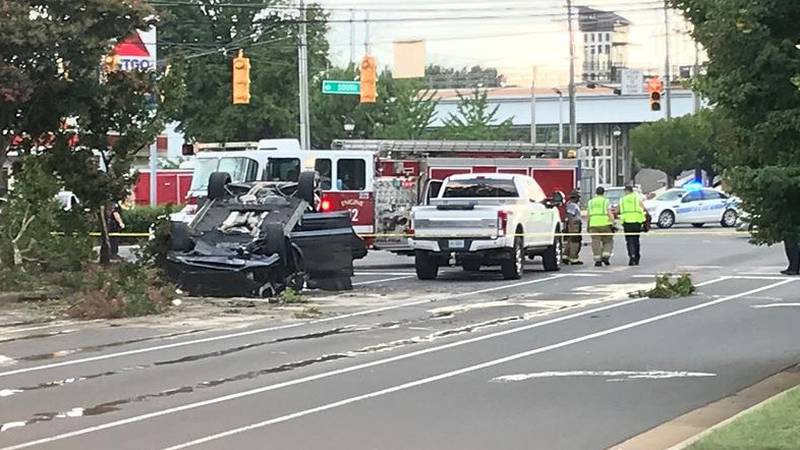 Rollover crash stops traffic in south Charlotte