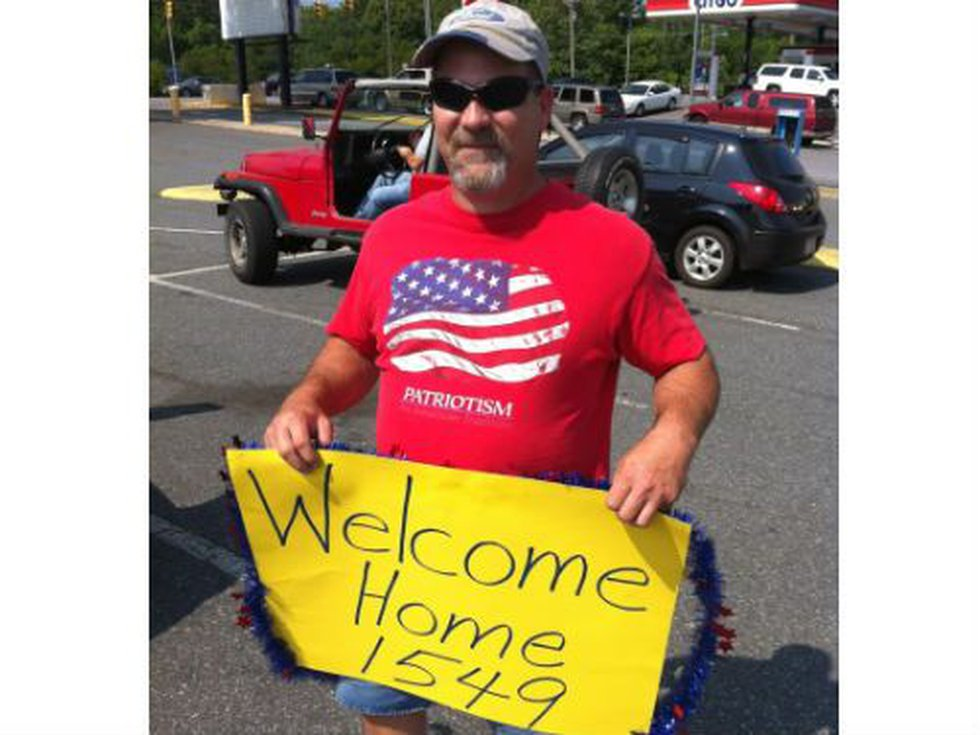 This Statesville man waited for hours to 'Welcome Home 1549.'