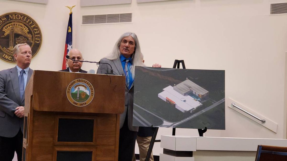 Catawba Indian Nation Chief Bill Harris discussed plans for a casino in Kings Mountain, N.C....