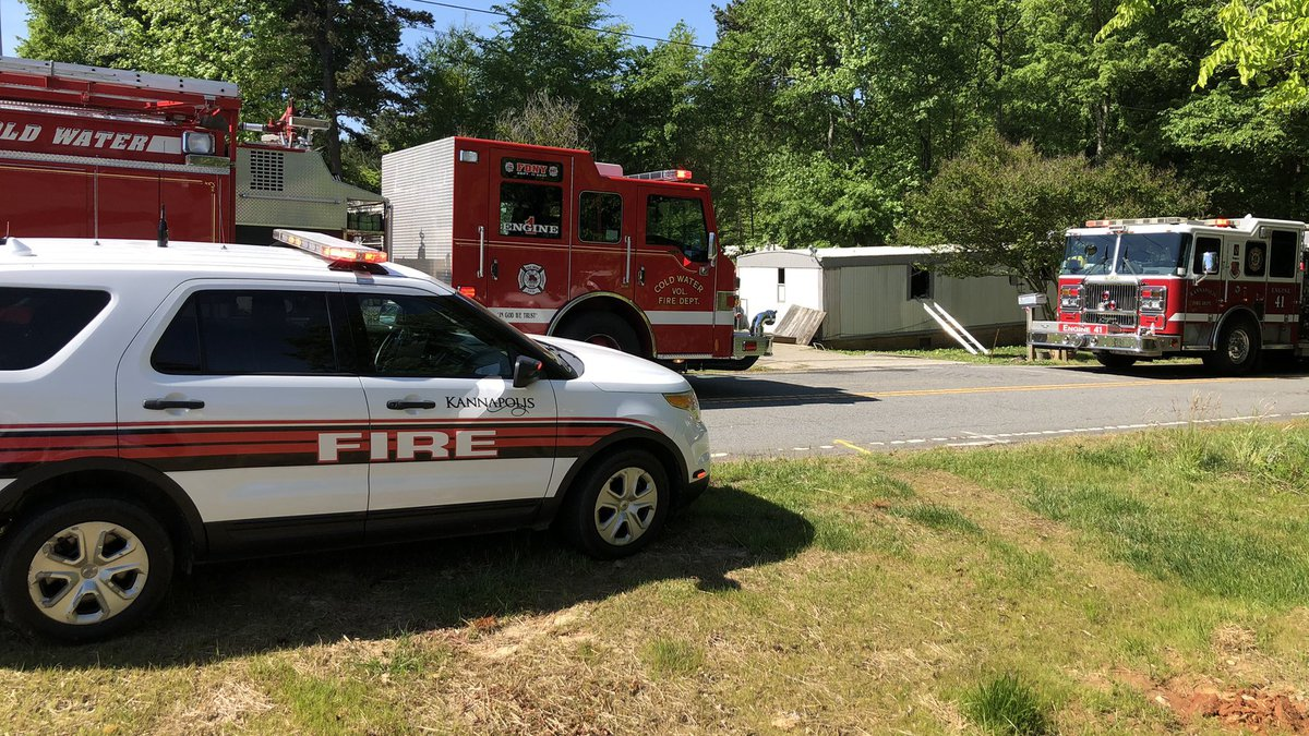 The owner of the mobile home said that 8 people were displaced from the property.