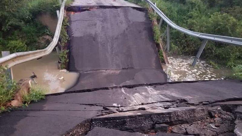 A bridge has collapsed near the Georgia/Florida state line.