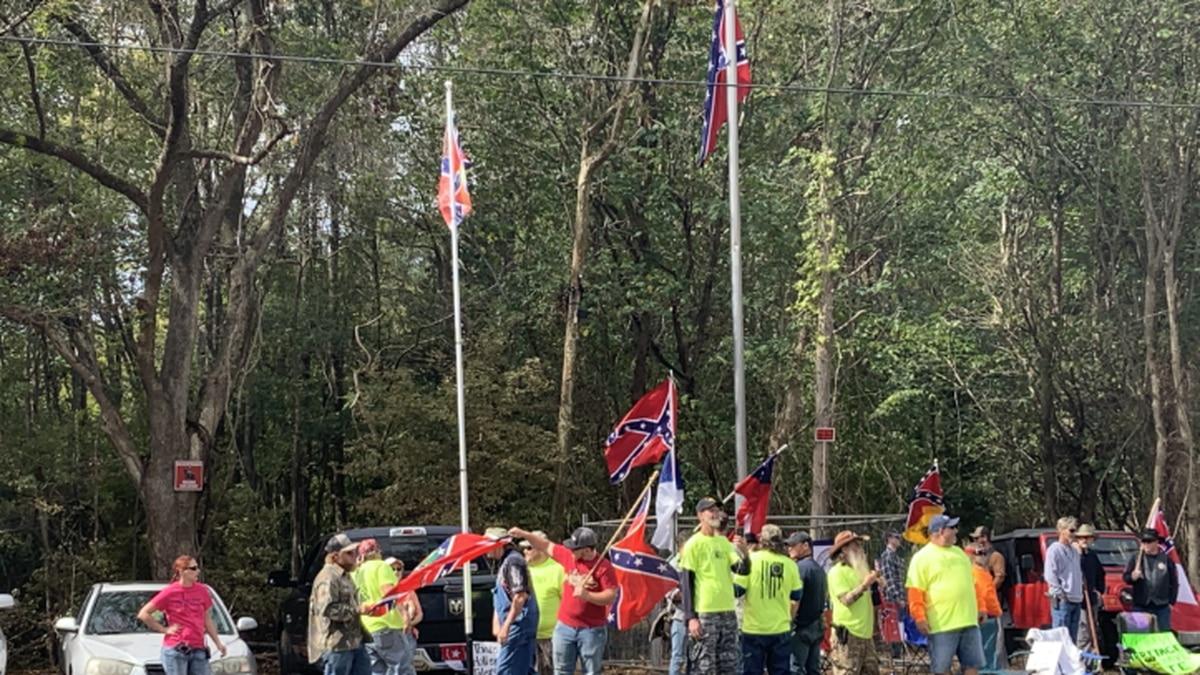 Confederate memorial protest