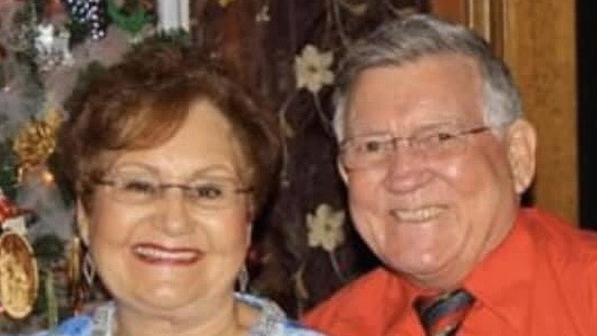 Jerry and Frances Williamson, both 72, died April 1 as they held each other's hand, succumbing...