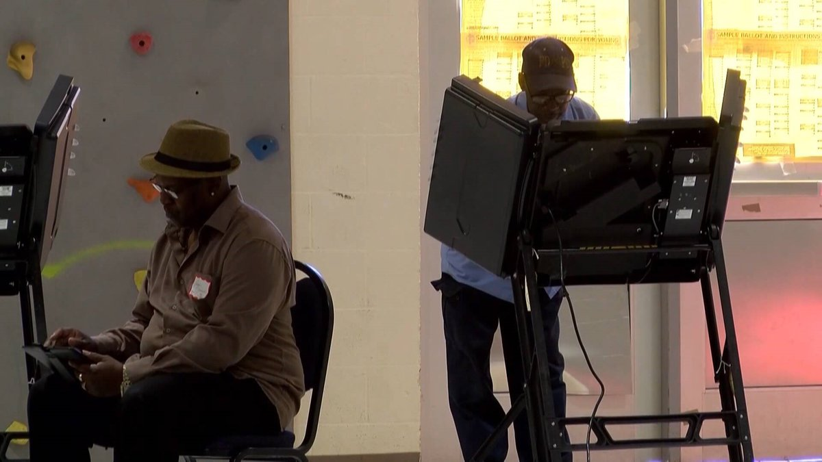 A voter casts his ballot during the 2018 election.