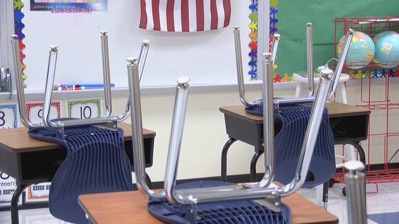 CMS Board of Education discusses if next Monday should switch to teacher workday