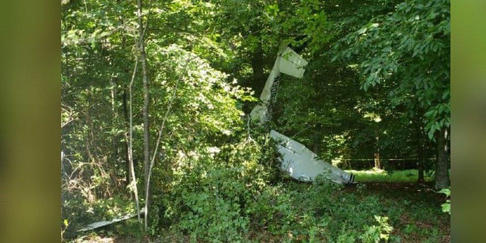 3 survive plane crash in Waxhaw