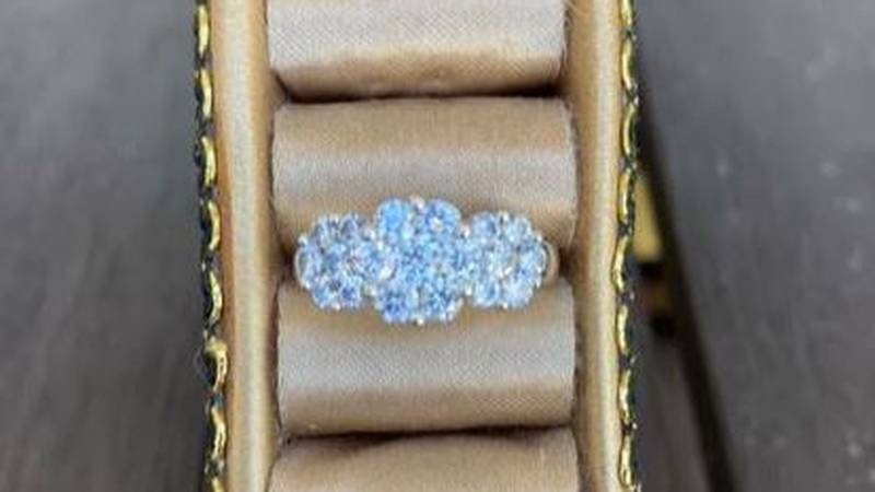 Paula Ribeiro nearly lost her engagement ring on a trip to Molokai. She ended up getting hers...