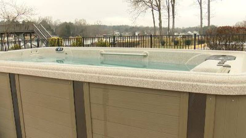 Mooresville woman paid company nearly $1,000 for swim spa repair, months later, no fix