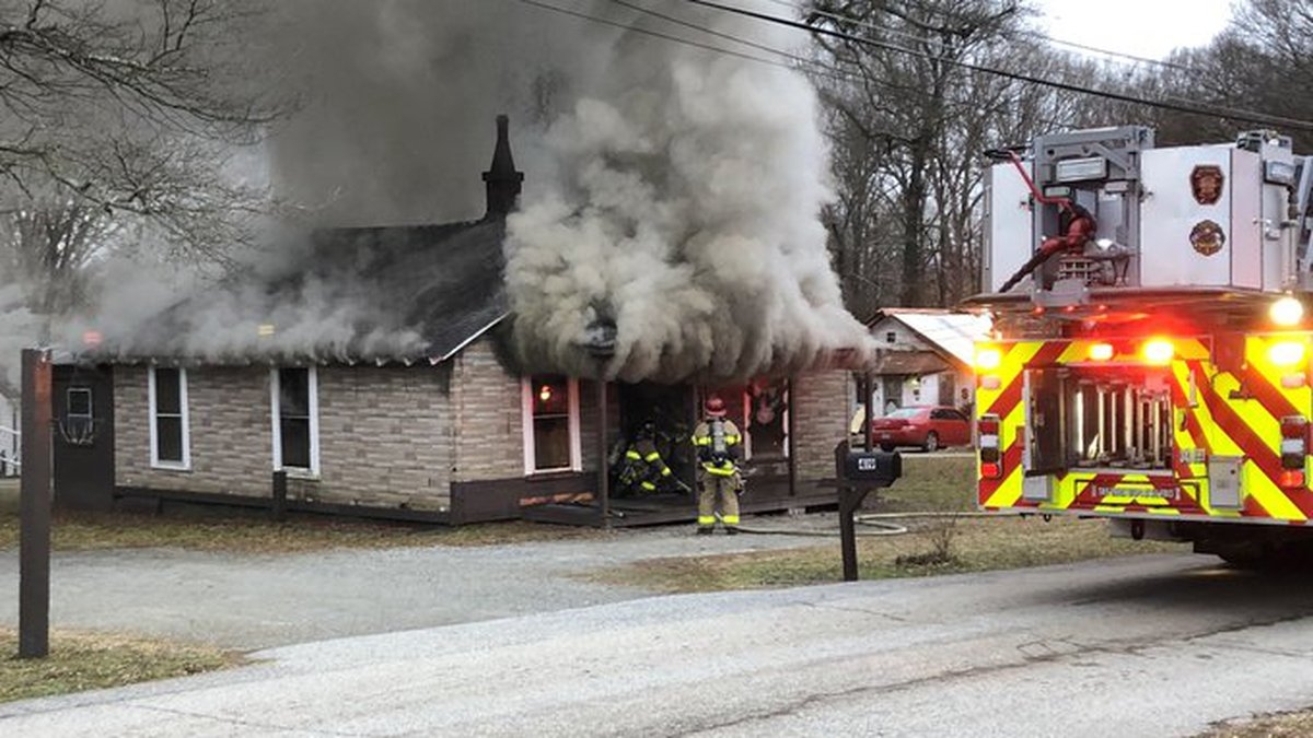 Smoke pours from Salisbury home in morning fire